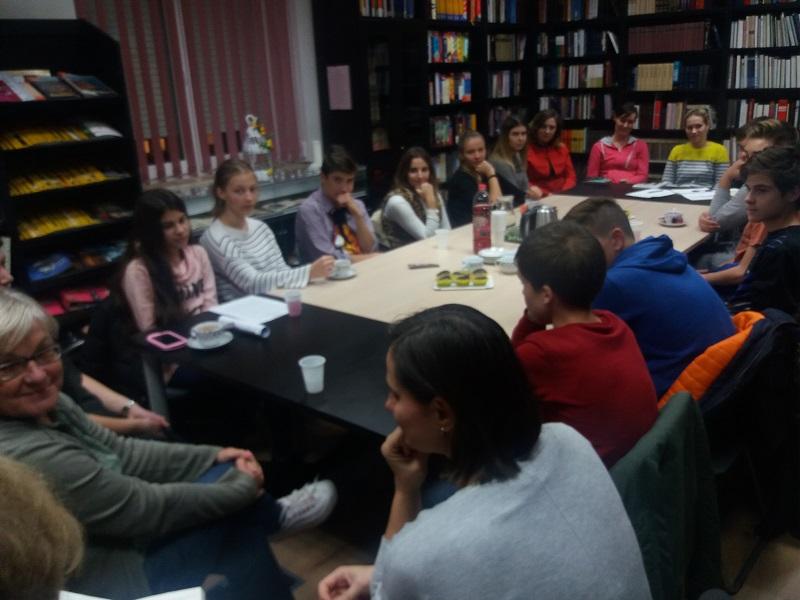 Školarci posjetili čitateljski klub KljučČ
