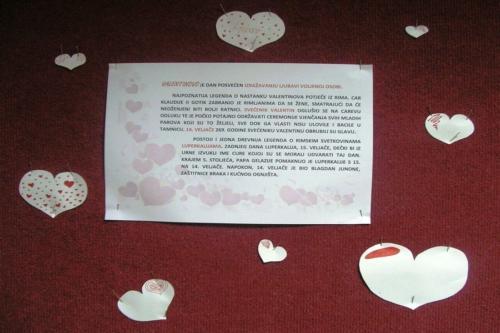 izlozba-valentinovo-u-knjiznici-11