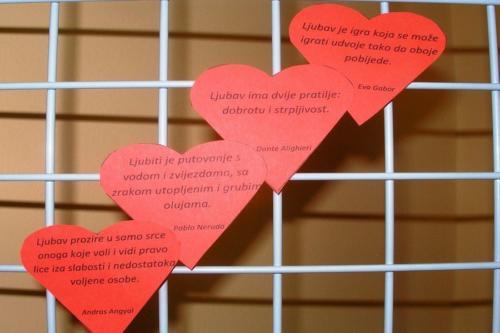 izlozba-valentinovo-u-knjiznici-15