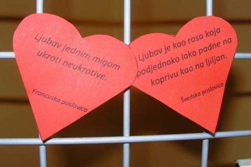 izlozba-valentinovo-u-knjiznici-2