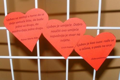 izlozba-valentinovo-u-knjiznici-3