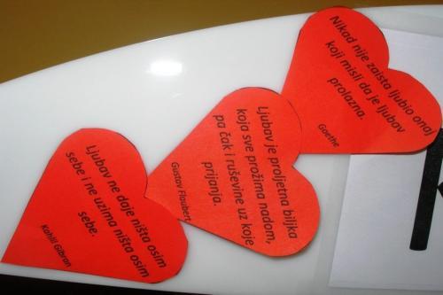 izlozba-valentinovo-u-knjiznici-4