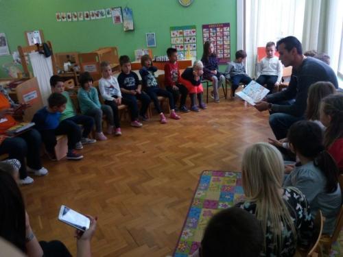 manifestacija-mjesex-hrvatske-knjige-1